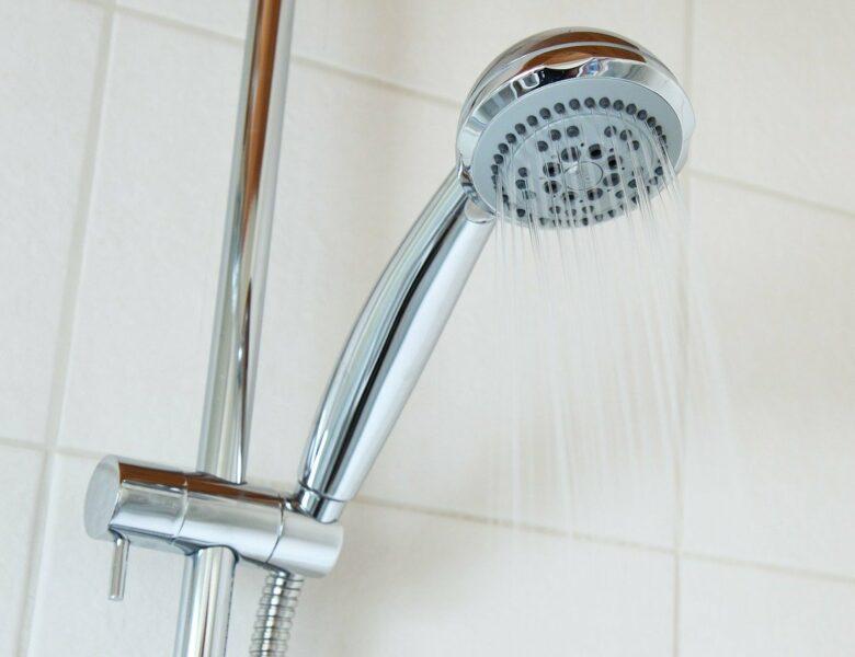 De gezondheidsvoordelen van koud douchen